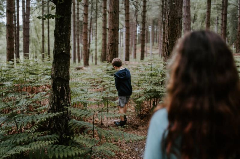 ninos-bosque